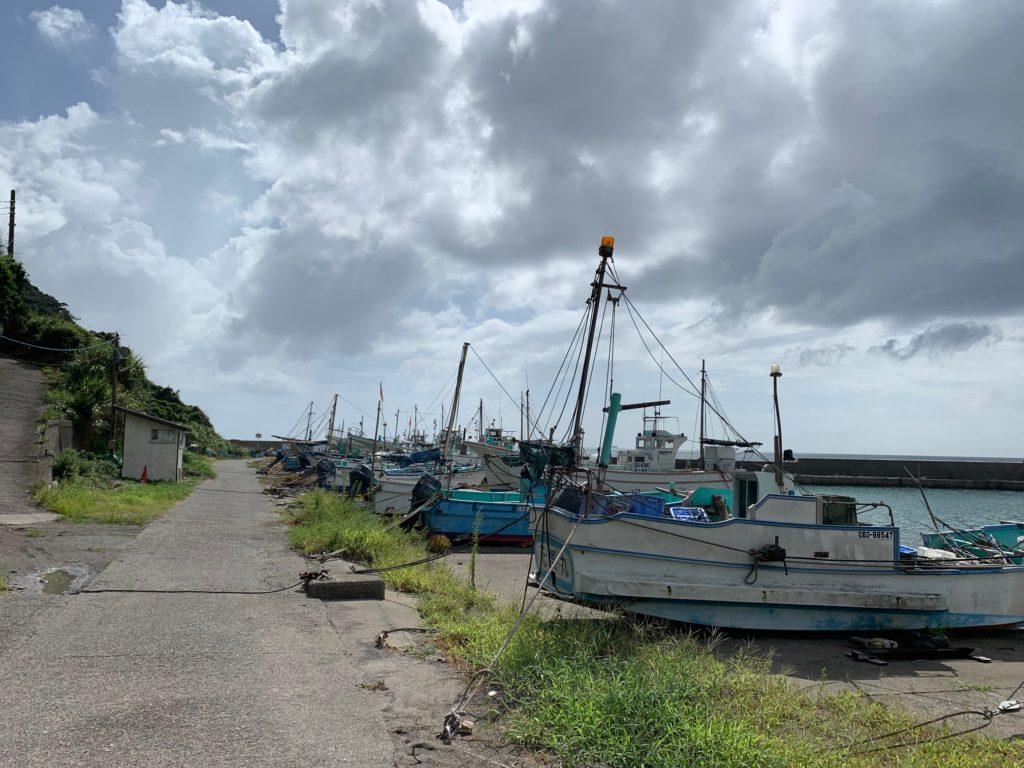 岩井海岸から近い小さな漁港