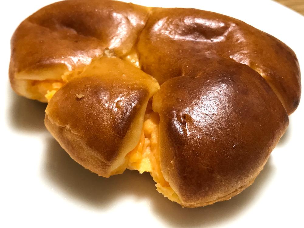 藤ノ木パンのクリームパン
